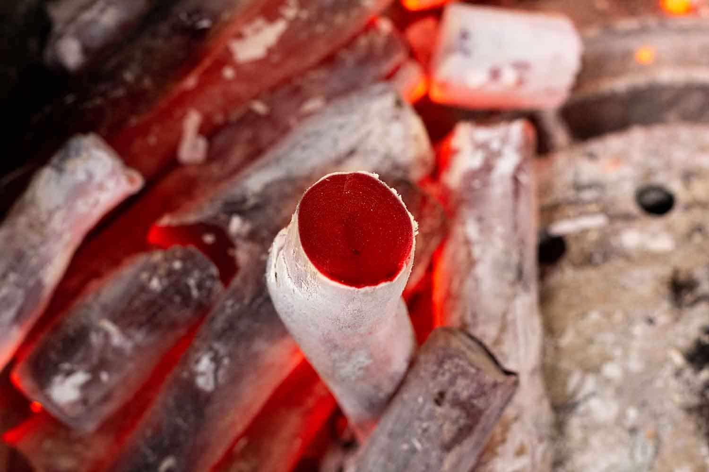 White Coal Binchotan von McBrikett Glühend