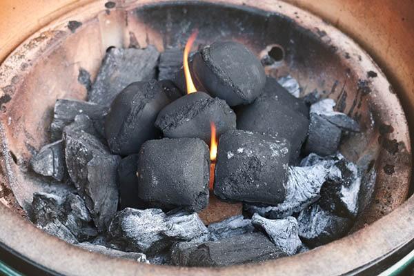 McBrikett KOKOKO EGGS für Flammkuchen Grillrezept