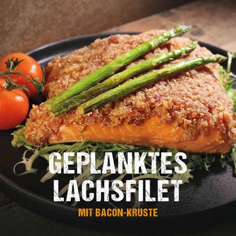 Grillrezept: Geplanktes Lachsfilet mit Bacon Kruste