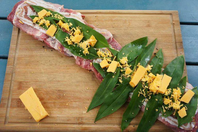 Grillrezept Gegrillter Schweinenacken von McBrikett: mit Bacon, Käse und Bärlauch füllen