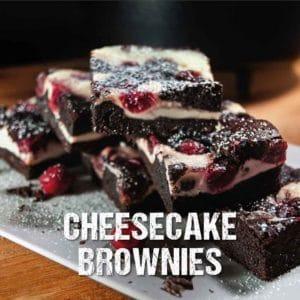 Dutch Oven Rezept: Cheesecake Brownies mit Rumkirschen