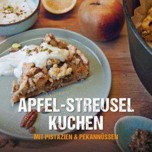 Apfelstreuselkuchen aus dem Dutch Oven mit Pistazien und Pekannüssen